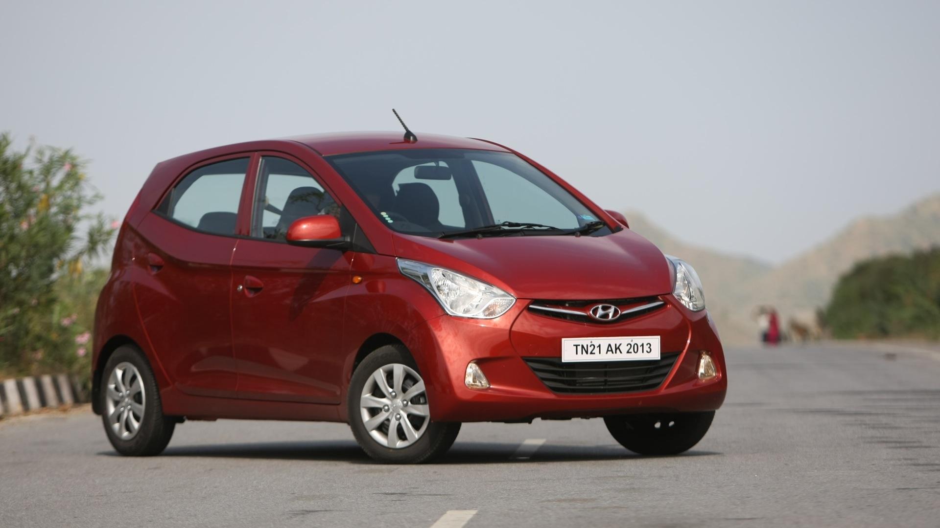 Hyundai Eon 2013 Sportz Compare Car Photos Overdrive