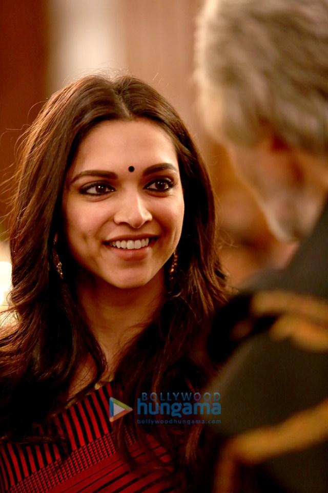 Piku Movie Stills - Bollywood Hungama