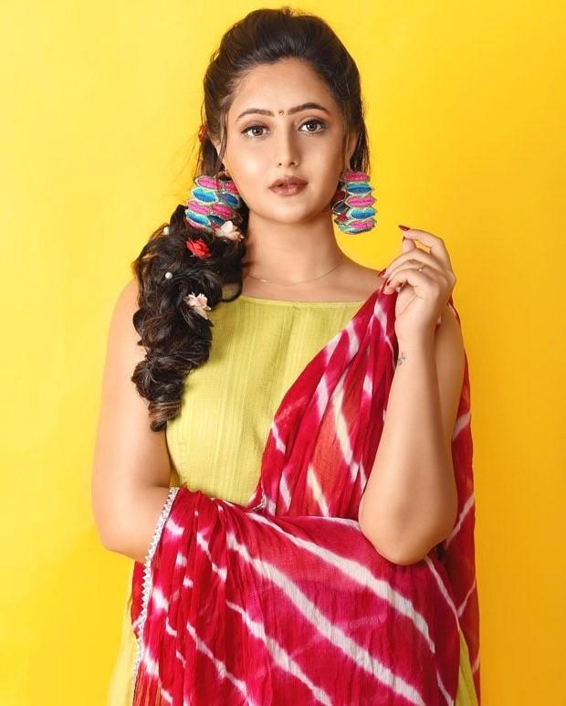 The GoogleDaily News PartnerRashmi Desai rings in beautiful lime green  salwar suit during Navratri season: Bollywood News