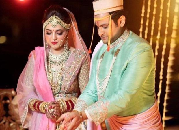 कॉमेडियन सोगंधा मिश्रा ने अपनी शादी के दौरान COVID -19 उल्लंघन मामले की फाइल की