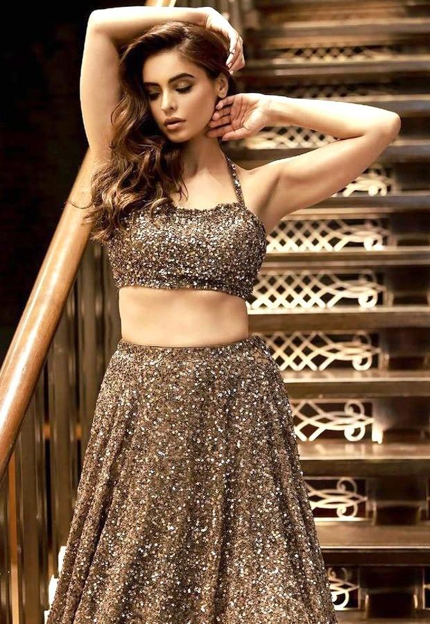 Aamna Sharif radiates stunning vibes in shimmery lehenga : Bollywood News - Movies Mirror