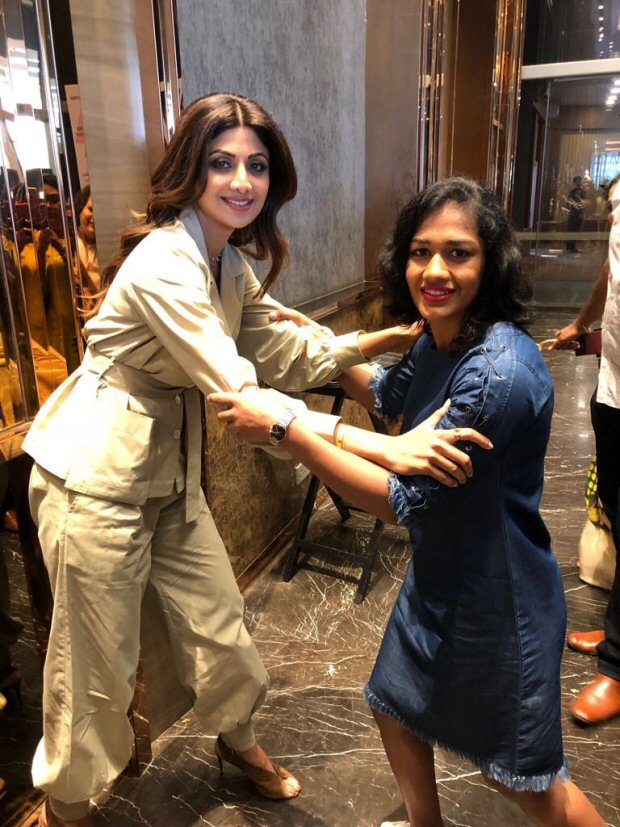 Babita Phogat has a fan girl moment when she meets Shilpa Shetty