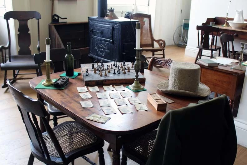 A table with historic objects.