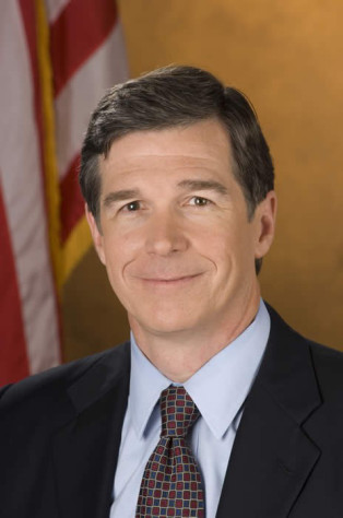 North Carolina Overrides Veto for $15 Minimum Wage for State Employees