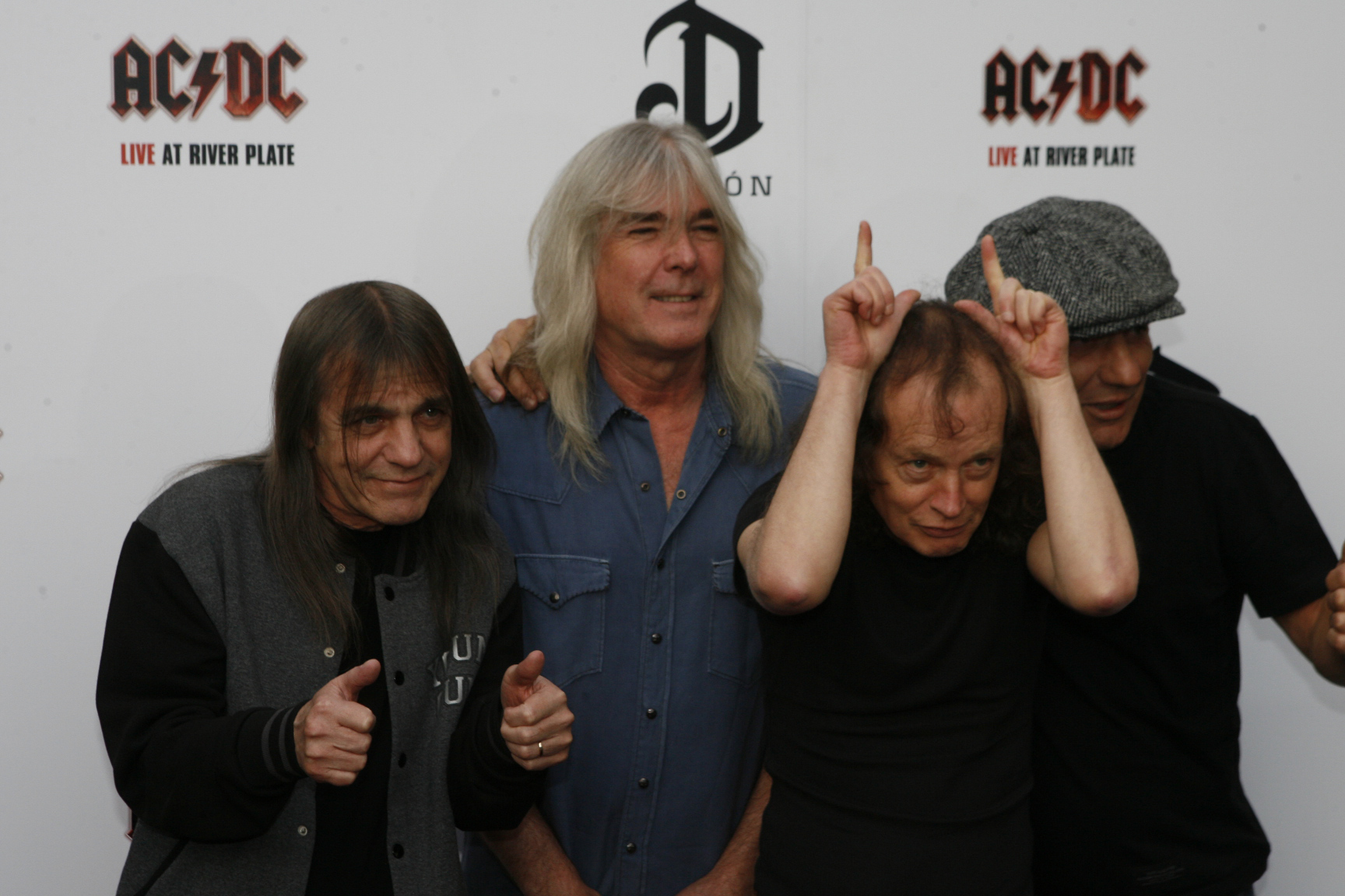 Rock World Pays Tribute To ACDCs Malcolm Young KRNV