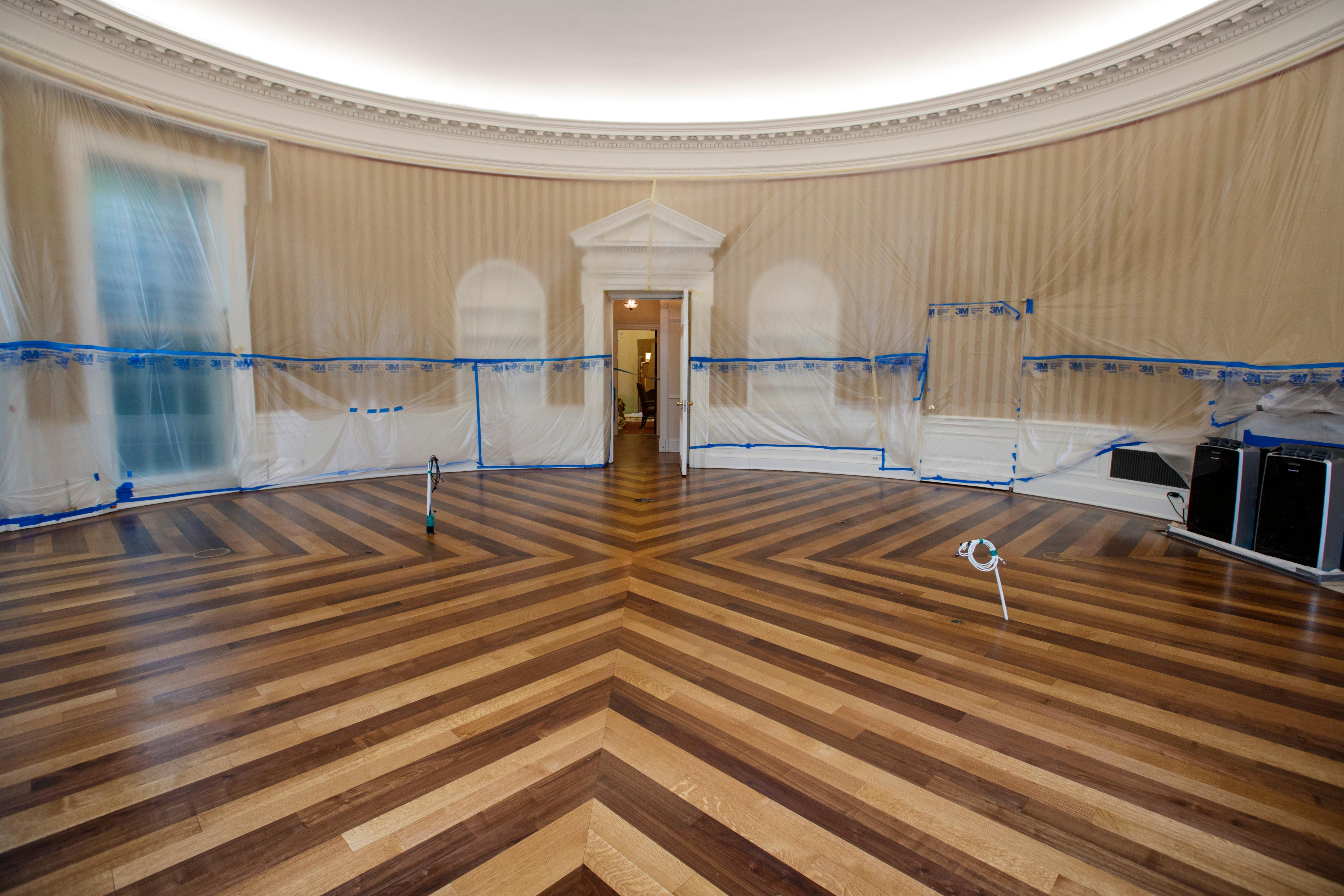 White House Reporters Offer A Rare Glimpse Of An Bare Oval