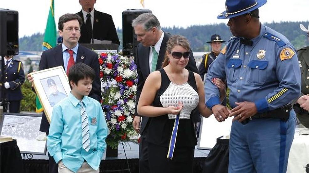 11 Washington law enforcement officers receive top honor ...