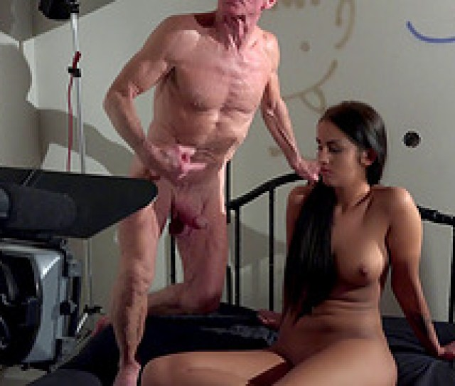 Pair Of Experienced Guys Giving The Gorgeous Teen A Fine Drilling