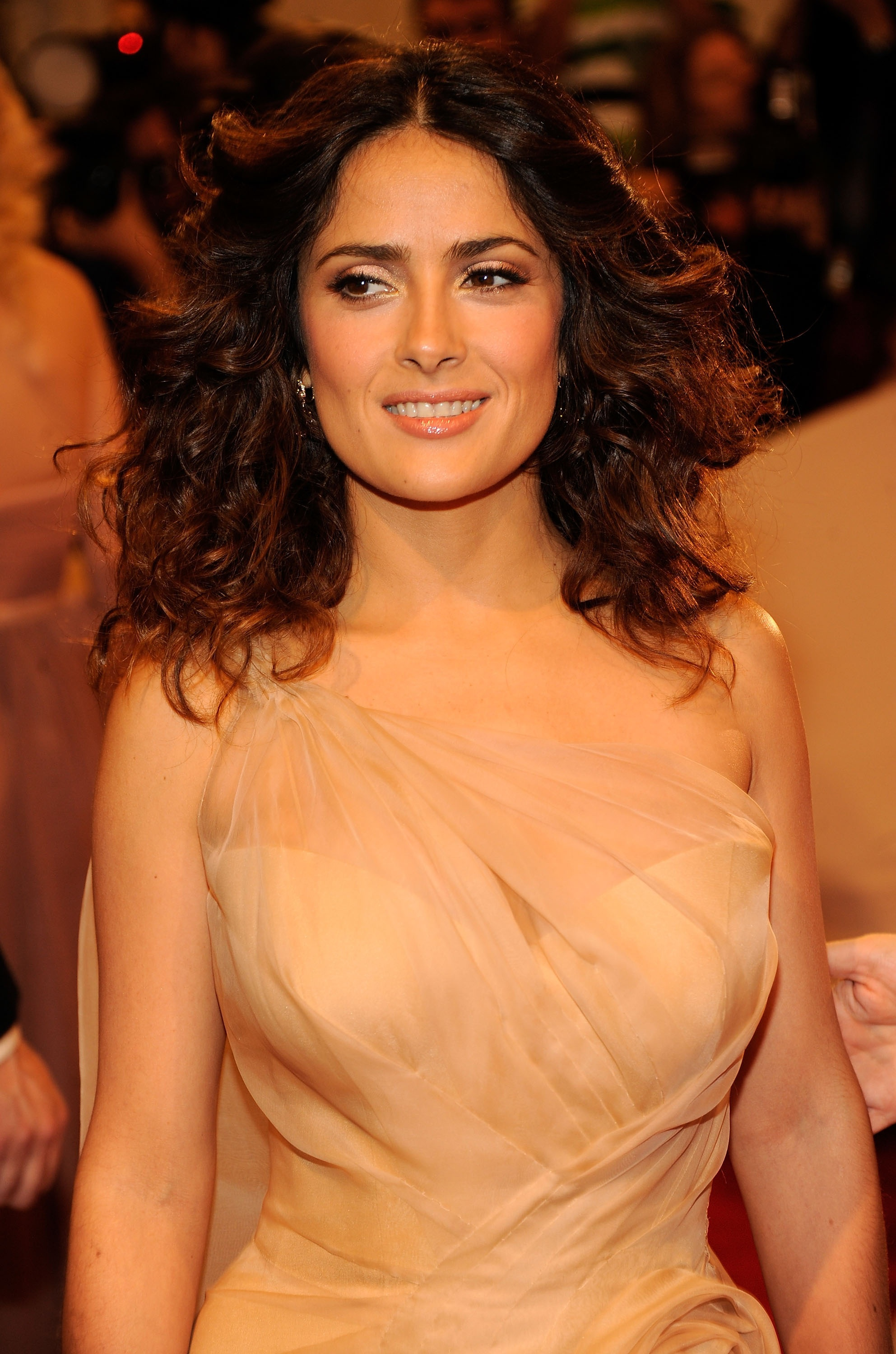125802 13047029402 Salma Hayeks Beauty Line Nuance And A New Ombre Trend