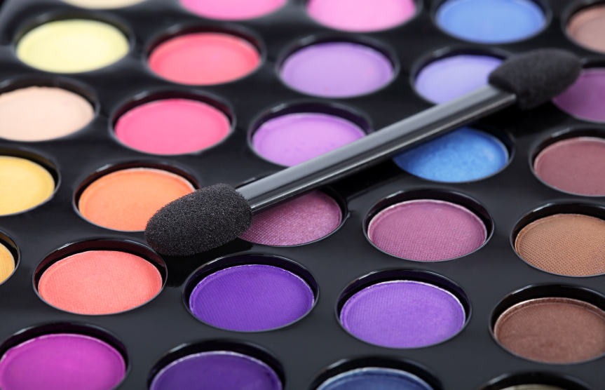istock 000020516400small 25 Simple Money Saving Beauty Tips