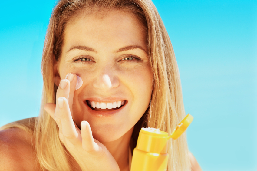 sunscreen prevents signs of aging