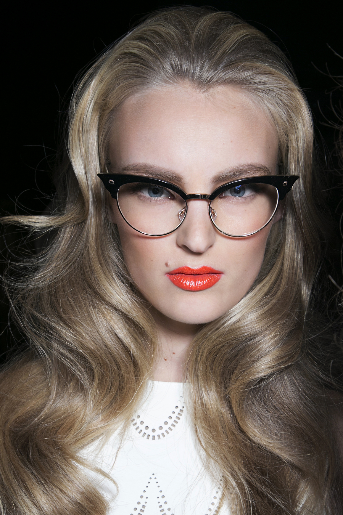 glasses Wearing Makeup With Glasses: 6 Areas to Focus On