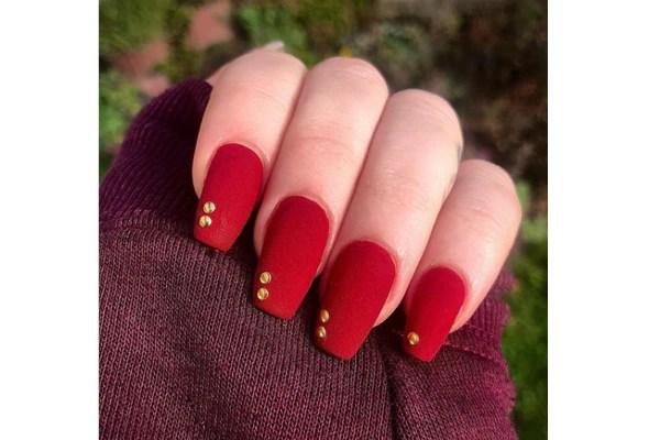 Velvet nails