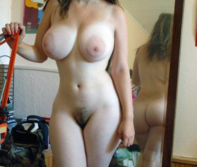 Young And Stacked With Nice Natural Pussy Porn Photo