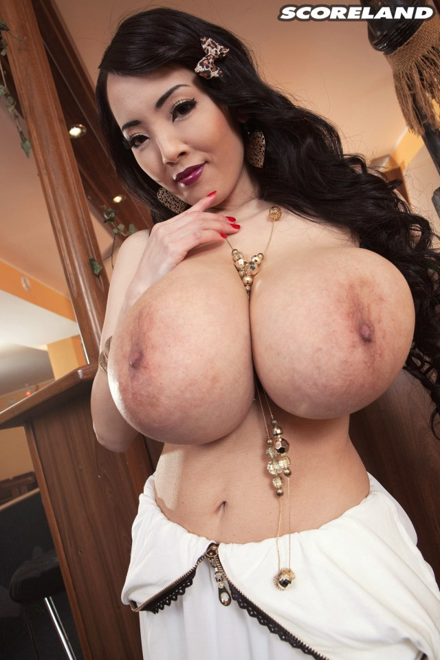 Hitomi Tanaka Porn Photo