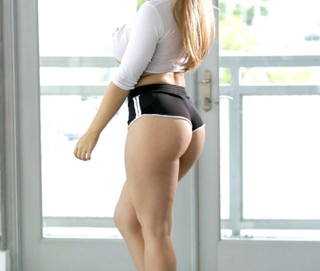Booty Shorts Porn Photo