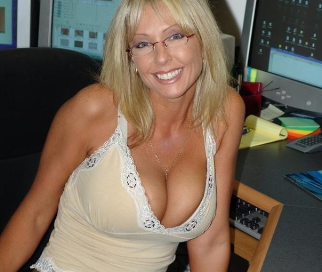 Low Cut Top Milf With Glasses Porn Photo