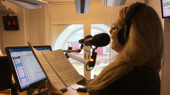 Gunilla Backman sjunger ut i radiomicken