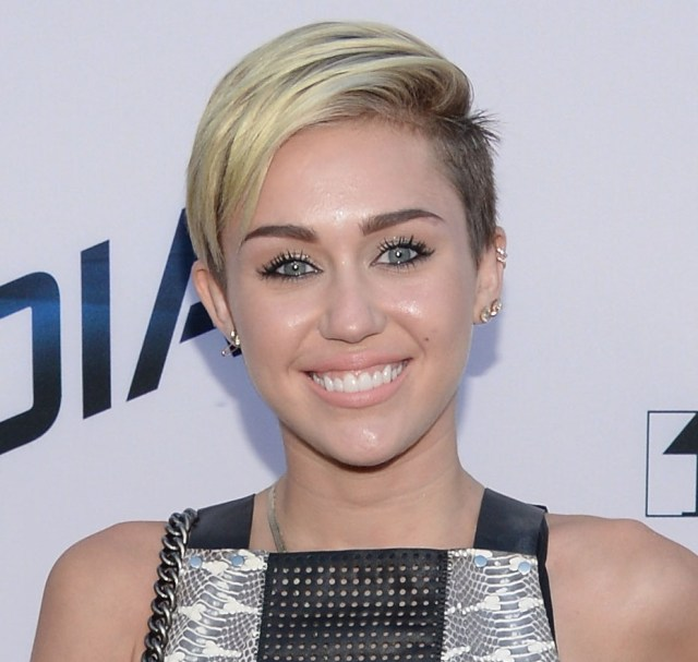 miley cyrus is growing out her hair to look like madonna