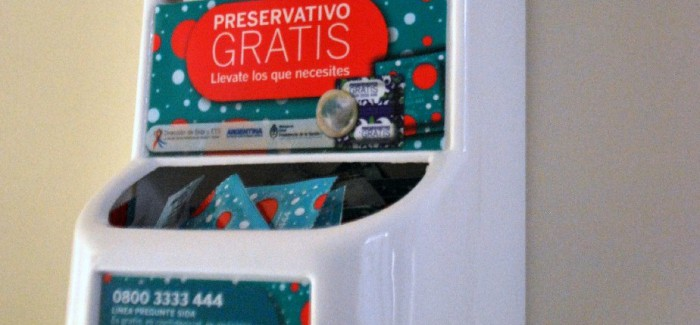 Colocarán dispensers de preservativos en la guardia del Hospital