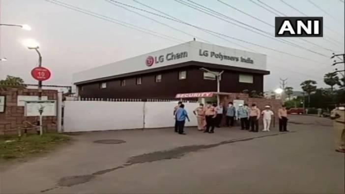 Vizag plant gas leak | 7 people die after gas leak at LG Polymers ...