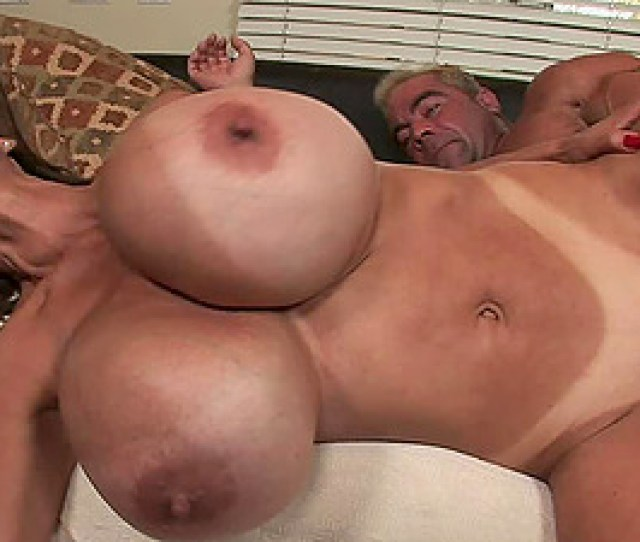 Minka And Her Gigantic Faux Tits In A Gonzo Hookup Scene
