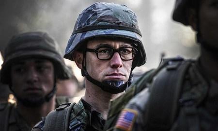 Joseph Gordon-Levitt als Edward Snowden in Oliver Stone's Snowden trailer
