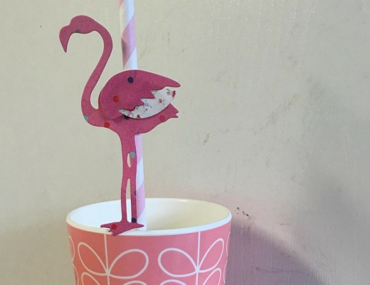 DIY flamingo drinking straws