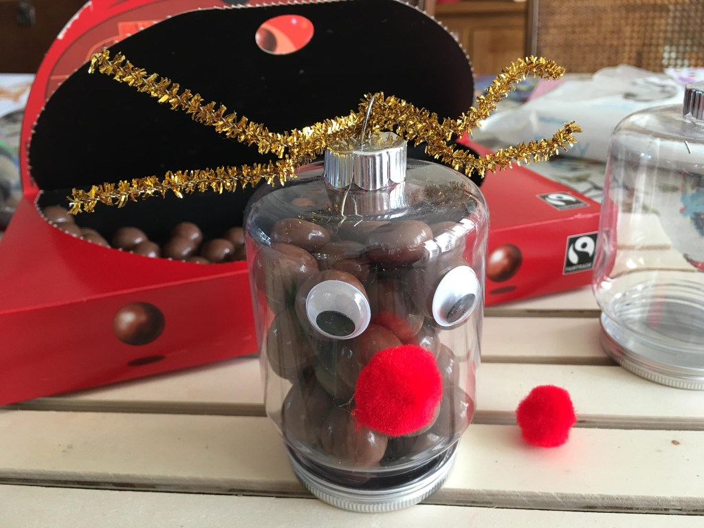 simple Reindeer nose ornaments for kids to make