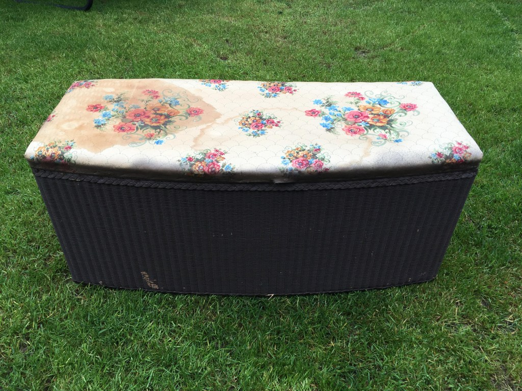 Vintage ottoman makeover with Pinty Plus