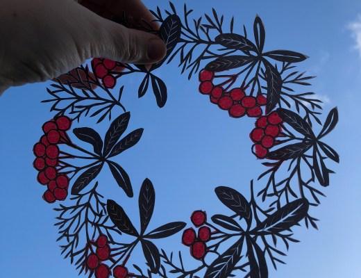 Christmas wreath paper cut
