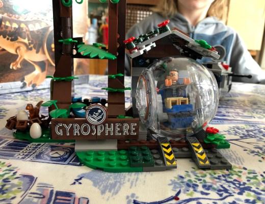 Lego Jurassic World Carnotaurus Gyrosphere Escape set