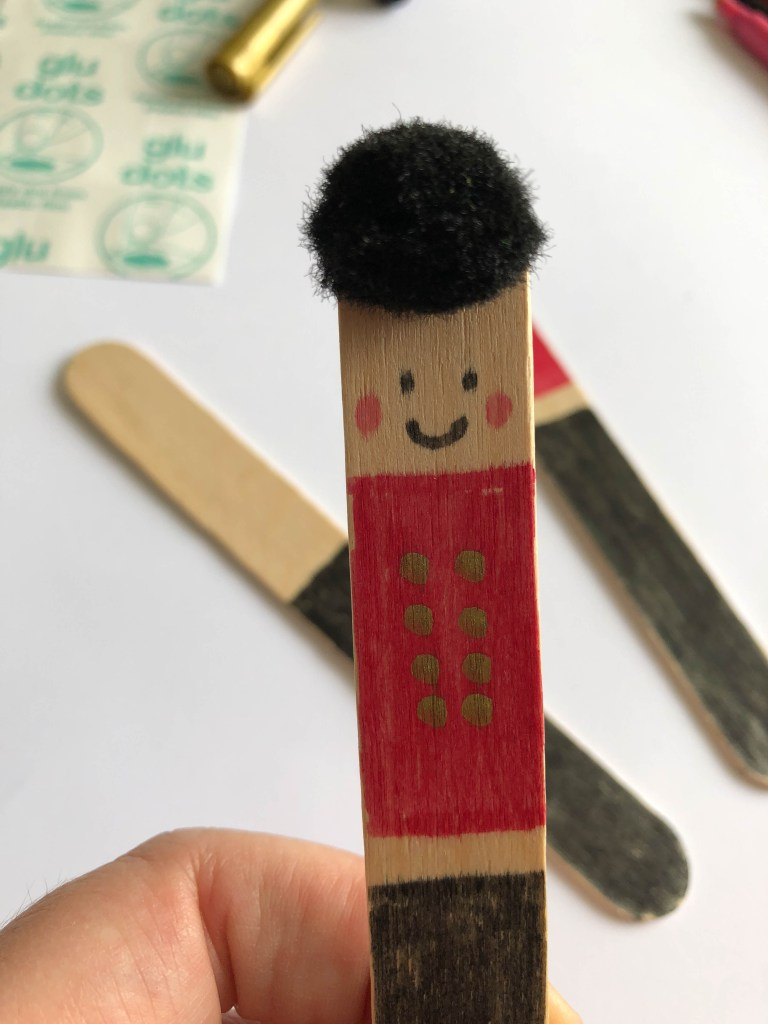 london guards craft for kids