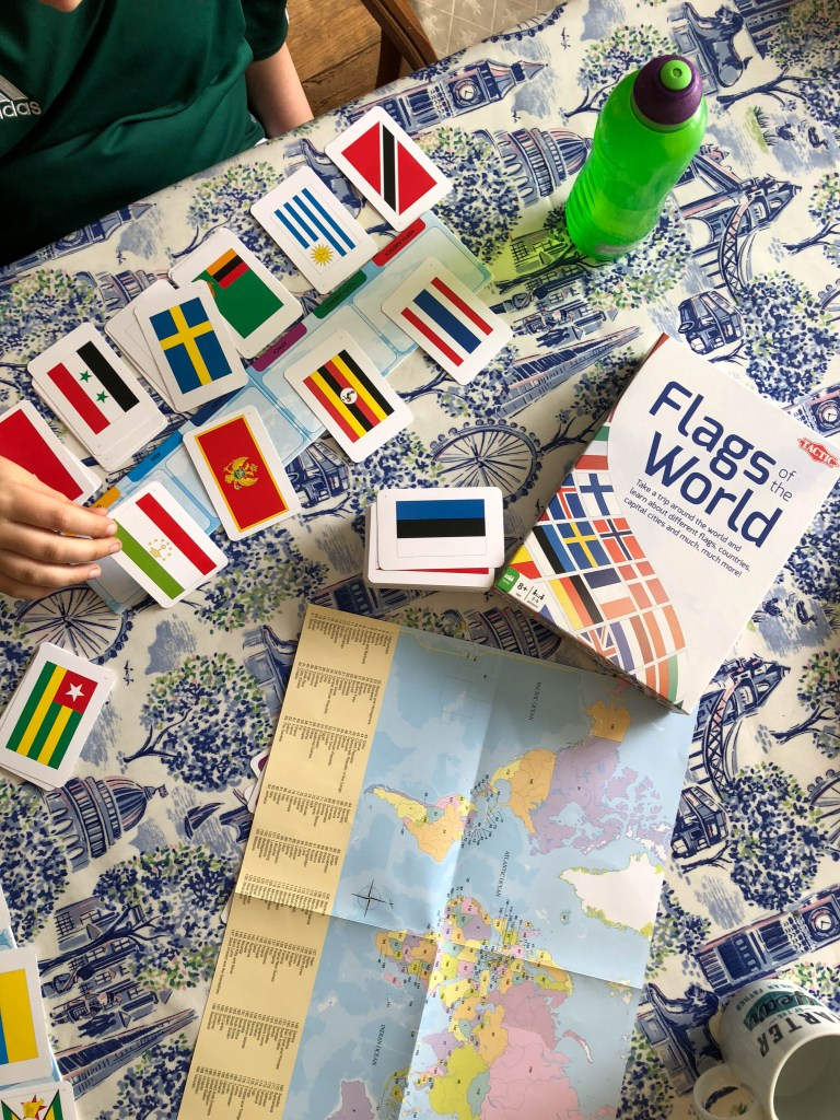 A geography lesson with Flags of the World game