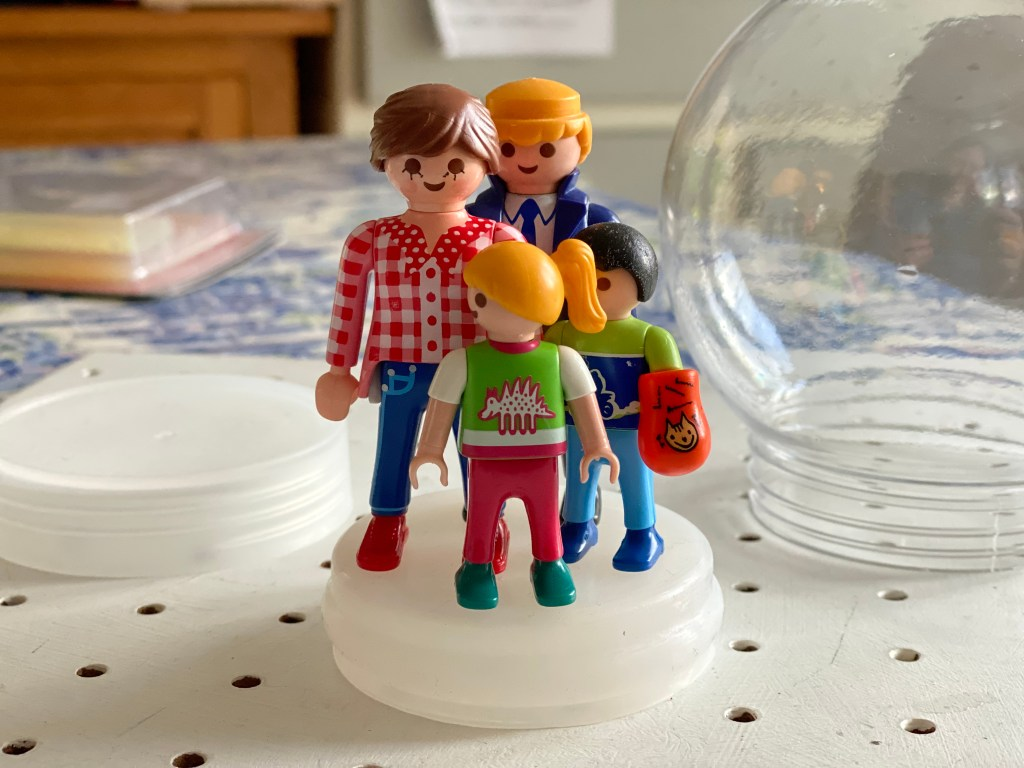 making a Playmobil snow globe decoration
