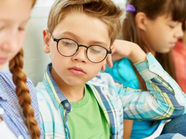 Những cách giúp con dễ kết bạn ở trường