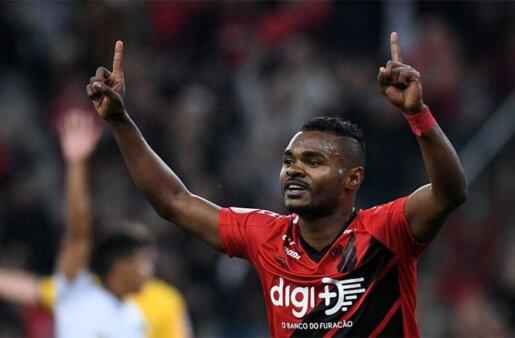 Dois gigantes brasileiros fazem sondagem por Nikão, Athletico-PR deve liberar o jogador