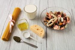 Спагетти с морепродуктами в сливочном соусе рецепт с фото ...