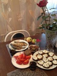 Жареные баклажаны в сметане с чесноком и зеленью рецепт с ...
