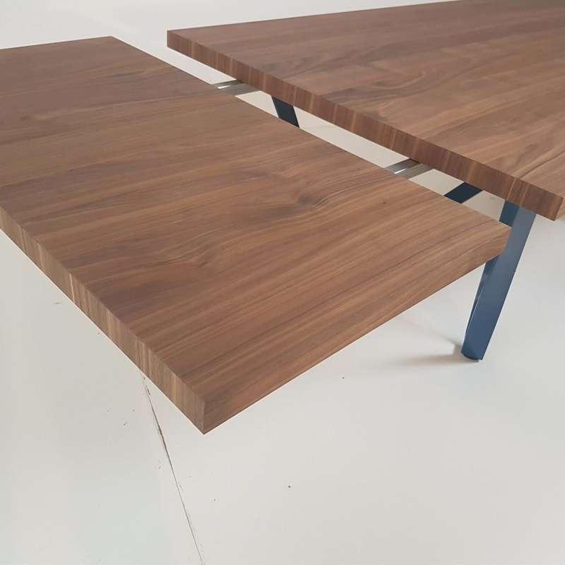 table design extensible avec pied en metal wave