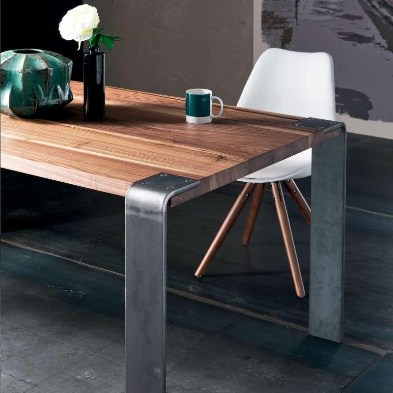 table design industriel en bois massif et metal siviglia