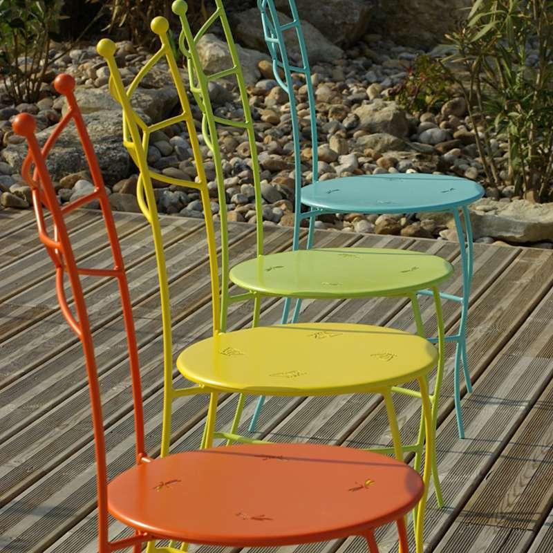 chaise de jardin en metal seringua carrier