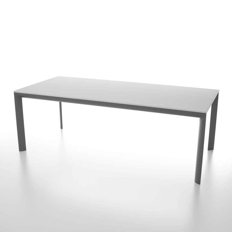 table rectangulaire extensible en verre trempe et pieds en metal fabriquee en italie cocoon