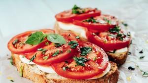 receta saludable khQH  300x168@abc - Hummus de remolacha: la original receta del Chef Bosquet para un picoteo sano - bienestar