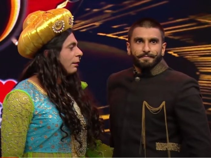 When Sunil Grover became Mastani, Ranveer Singh's senses flew away as he removed the veil.