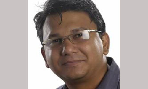 Publisher of slain Bangladeshi blogger Avijit Roy hacked to death