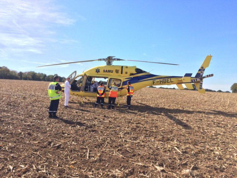 Le blessé est évacué par hélicoptère.