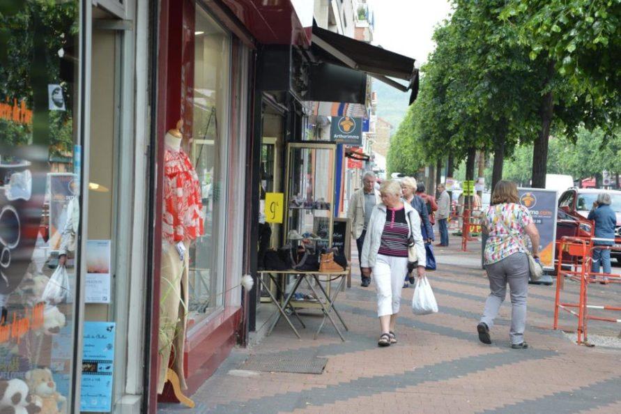 La diversité des commerces en centre-ville attire de plus en plus les Chellois.