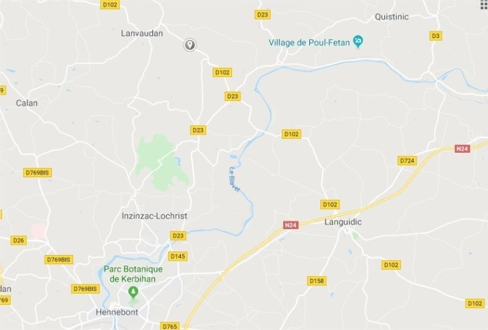 The accident occurred on the road linking Languidic to Plouay