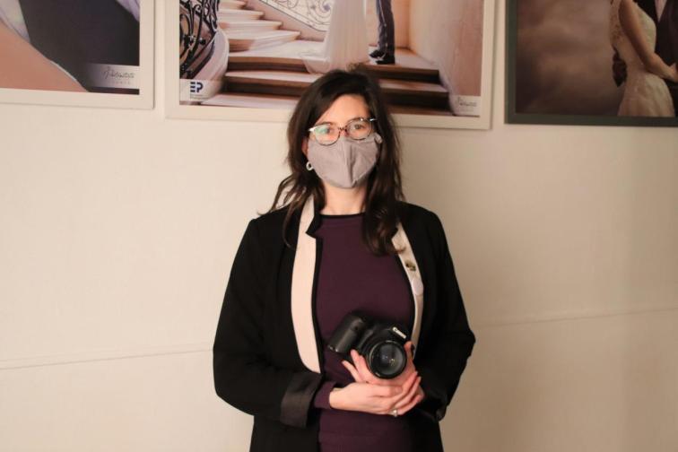 Sylvie Châtelais est la  secrétaire régionale de la FFPMI, Fédération Française de la Photographie et des Métiers de l'Image.